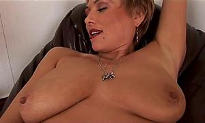 Milfs love to masturbate too